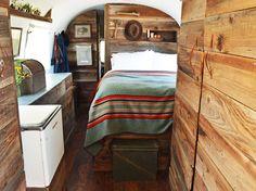 Icône des vacances en famille dans les sixties, la caravane revient sur le devant de la...