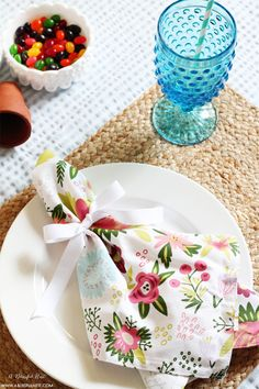 A spring tablescape perfect for Easter! By A Blissful Nest