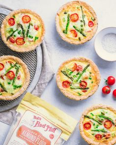 These Healthy, Vegetarian Small Quiches are made with an almond flour crust, making them gluten-free, low-carb, keto and. Protein Muffins, Protein Banana Bread, Protein Cookies, Cookies Vegan, Oat Cookies, Desserts Crus, Diabetic Desserts, Diabetic Recipes, Cooking Recipes