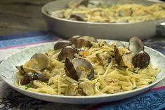 Η αγαπημένη νηστίσιμη μακαρονάδα των Ιταλών τα λιγκουινι αλλέ βόνγκολε σε αυθεντική εκτέλεση και με όλες τις πιθανές παραλλαγές της Linguine, Vegetarian Dinners, Seafood, Spaghetti, Pasta, Ethnic Recipes, Sea Food, Vegan Dinners, Vegetarian Dinner Parties