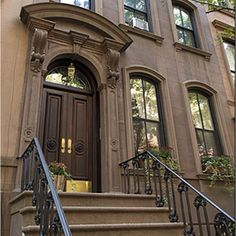 carrie bradshaw's stoop! fictional address: 245 e. 73rd, actual address: 66 perry street, nyc