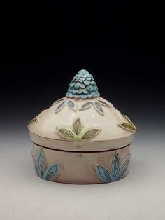 One Sweet Artist: Kari Radasch at LuLuscom! click the image or link for more info. Ceramic Boxes, Ceramic Jars, Ceramic Pottery, Ceramic Teapots, Earthenware, Stoneware, Clay Box, Expensive Art, The Potter's Wheel