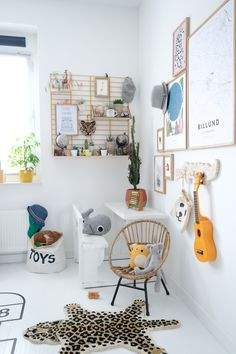 Boys bedrooms furniture can also be fun! Discover more ideas and inspirations with Circu Magical furniture. Cool Bedrooms For Boys, Kids Bedroom, Baby Room Decor, Bedroom Decor, Kids Interior, Creative Kids Rooms, Kid Spaces, Kids Furniture, Furniture Market
