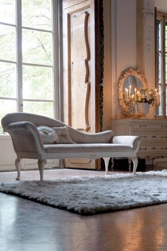 Reproduction Designer High Back Italian Chaise Longue - Juliettes Interiors Classic Italian, Classic Style, Luxury Bedroom Furniture, Lounge Sofa, Entrance Hall, Luxurious Bedrooms, Furniture Collection, Relax, Colours