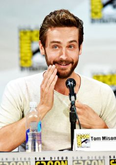 Tom Mison at the Sleepy Hollow panel #SDCC2014