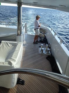 Alan . Sailor . Captain . Yachtsman . En route to Dubai . O my.