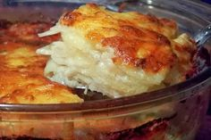 The best Scalloped Potatoes I have ever tasted.Probably not the best i've ever had, but sure is easy with a good food processor and quite delicious! I added ham, and am going to try this as a crock pot meal next time, it sure was yummy! Best Scalloped Potatoes, Scalloped Potato Recipes, Scallop Potatoes, Scalloped Potatoes Without Cheese, Think Food, Love Food, Fun Food, Potato Dishes, Food Dishes