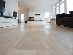 Grâce à son fini doux et à son aspect moderne le Medium Line diffuse une atmosphère chaleureuse dans le salon – stonenaturelle