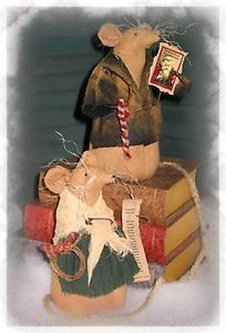 Primitive Pattern Christmas Muce A pair of Free standing Mice for Christmas Cute