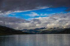 Yamdrok Lake Tibet Divergent Travelers http://www.divergenttravelers.com/sacred-yamdrok-lake-tibet-photos/ #Tibet #Divergenttravelers #Yamdroklake #China #topphoto #Mustsee #RTW #Bestblogphotos #Bestblog
