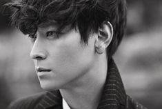 Top 10 coolest Korean male celebrities, according to male and female netizens
