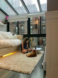 Home Interior Design — NYC + Zelda + Rain = Cozy Day - luxury apartment Design Apartment, Apartment Goals, Dream Apartment, Apartment Living, Cozy Studio Apartment, Loft Apartment Decorating, Simple Apartment Decor, Living Room, Decoration Inspiration