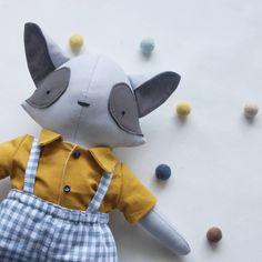 Coleção de primavera disponível na loja online 💛  Link na Bio!  Qual é a sua favorita? 🥰 Dinosaur Stuffed Animal, Toys, Link, Animals, Baby Dolls, Dressmaking, Atelier, Activity Toys, Animales