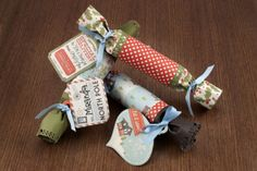 How to make Holiday Crackers!