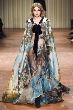 Take a look to Alberta Ferretti Collections Fall Winter 2017-18collection: the fashion accessories and outfits seen on Milano runaways.