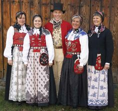 Costume Department - sales of reconstructed costumes from Romsdal - Romsdalsmuseet - a regional museum for Aukra, Fræna, Molde, Midsund, Nesset, Rauma, Sandøy and Vestnes