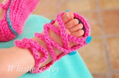 Baby Button Gladiator Sandals - FREE crochet pattern for these adorable baby sandals {Whistle and Ivy}