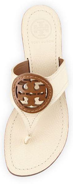 Tory Burch logo thong sandal http://rstyle.me/n/khi3dnyg6