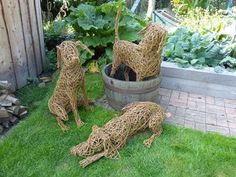 My Gallery of Willow Sculpture and other basketry work. Dog Sculpture, Animal Sculptures, Garden Sculpture, Outdoor Crafts, Outdoor Art, Willow Sticks, Corn Dolly, Willow Garden, Twig Art