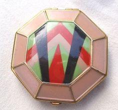 Vintage RARE VOLUPTE ART DECO PINK ENAMEL COMPACT Octagon shape (04/07/2013)