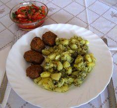 Fasírt zsemle nélkül sütőben sütve Sprouts, Vegetables, Food, Essen, Vegetable Recipes, Meals, Yemek, Veggies, Eten