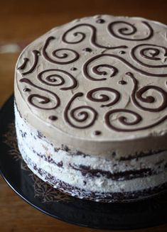 Brownie Ice Cream Cake         This looks so good