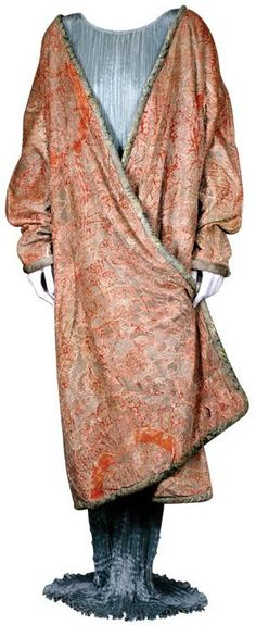 A coat that feels like wearing a favorite bathrobe, but looks like a work of art!  Mariano Fortuny