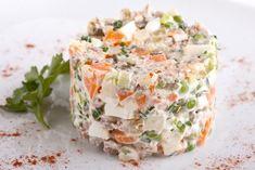 Оливье с шампиньонами рецепт – салаты. «Афиша-Еда»