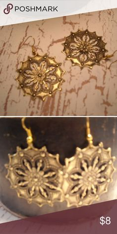 """Gold western star earrings These earrings measure about 2"""" around they hang from nickel free ear wire. They are part of my personal collection.  Thanks for viewing.😉 Jewelry Earrings"""