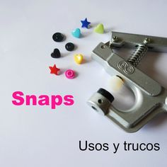 How to set and remove snaps Quites, Learn To Sew, Ideas Para, Usb Flash Drive, Diy, Learning, Sewing, Cool, Anime
