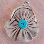 Craft: Fabric Yo-Yo Coin Purse....easy tutorial...just adorable!!!