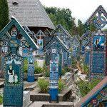 El cementerio más colorido e irreverente del mundo, donde la muerte es motivo de broma y diversión