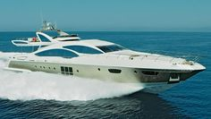 Robb Report Magazine: Our Best of the Best semicustom MEGAYACHT was the Azimut Yachts Grande It's a that reaches 40 knots. Azimut Yachts, Yacht Boat, Super Yachts, Open Water, Motor Boats, Submarines, Luxury Yachts, Luxury Life, Dream Big