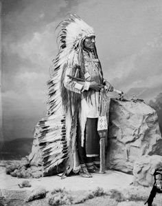 Old West Photographs:  Little Wound, an Oglala Lakota chief, is pictured here in 1877.  His life spanned the years of transformation of his people's culture from free nations, to oppressed civilians. He died in 1899. We have rarely seen a head dress so elaborate.
