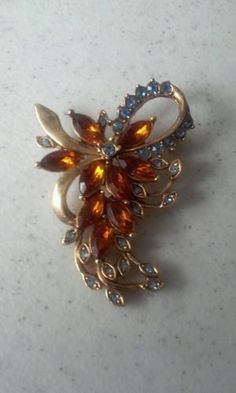 Kenneth Cole Vintage Brooch - http://chic.designerjewelrygalleria.com/kenneth-cole/kenneth-cole-vintage-brooch/