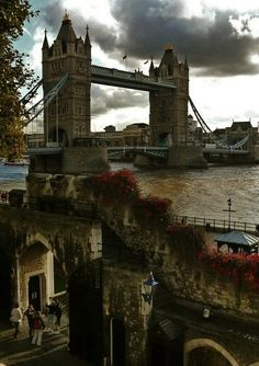 The Tower Bridge as seen from the Tower of London... (by Gilderic )