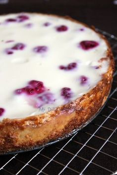 Kuchen de Frambuesa This Raspberry Kuchen recipe is very popular in southern Chile. I was lucky that Tante Marlis shared this super recipe with me.