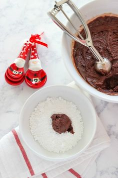 Peppermint Kiss Crinkle Cookies - A Classic Christmas Cookie Recipe - Barn Owl Primitives