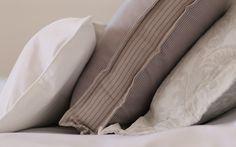 bedroon decoration, bedroom inspiration, bedroom, pillows, bedspread, makuuhuoneen sisustus, makuuhuone, päiväpeitto
