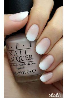 Ombre manicure w cielistych odcieniach nude są hitem wiosny. Zobaczcie najciekawsze warianty ombre nude.