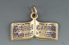 14K GOLD & ENAMEL 1932 YALE GLEE CLUB CHARM