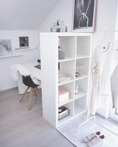 Ideas For Bedroom Desk Ideas Deco Minimalistic Room, Sofa Scandinavian, Quirky Home Decor, Girls Bedroom, Bedroom Ideas, Bedroom Styles, Bedroom Decor, Bedroom Storage, Girl Room