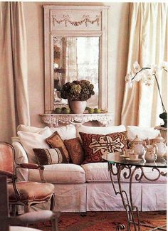 Tara Shaw   Queen Of Neutrals: Typically, I Work In Neutrals For Interiors  And Wear Black Or Cream (I Travel A Lot And It Takes The Planning Out Ofu2026