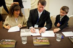 Jim Bob and Michelle Duggar fighting Fayetteville City Council