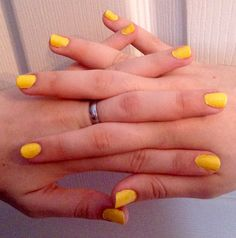 Sunshine Neon Nails