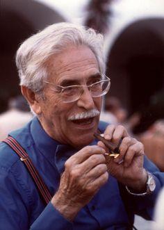 Lo scrittore italiano Mario Soldati partecipa a un ricevimento organizzato in suo onore da Mondadori. Segrate, luglio 1981
