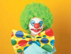 Trucco di Halloween per bambini da pagliaccio con parrucca