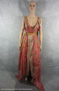 Spartacus Blood and Sand original movie costume Movie Costumes, Roman Costumes, Female Costumes, Roman Dress, 1800s Fashion, Roman Fashion, Goddess Costume, Clothes Crafts, Classic Outfits