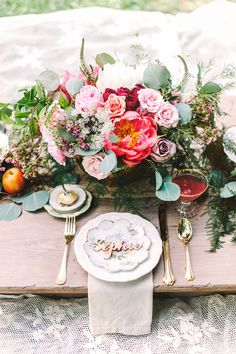 Rustic outdoor picnic inspiration - how gorgeous.  you can rent gold flatware.  Do soft grey linens.