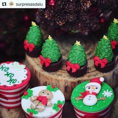 """37 curtidas, 1 comentários - Maria com Açúcar (@mariacomacucar) no Instagram: """"Mini árvores de natal modeladas e cupcakes!!!"""""""